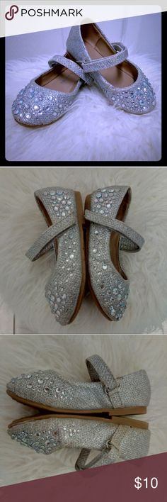 Sparkly ballet flat for baby girl Sparkly silver ballet flat with straps for baby girl Link Shoes Dress Shoes