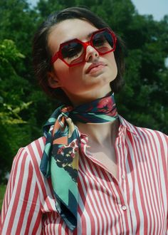 Birthday Gifts : Birthday Gift Ideas For Women Fancy Silk Scarf Ama Ways To Wear A Scarf, How To Wear Scarves, Red Scarves, Silk Scarves, Silk Neck Scarf, Scarf Knots, Orange Scarf, Street Style, Square Scarf
