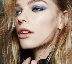 Get the True-Blue Glamour Off-Duty Model look with the limited-edition† Runway Bold Collection from Mary Kay.