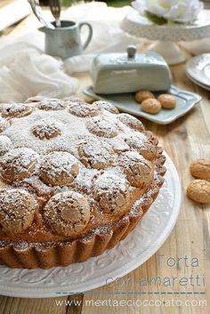 Torta con Amaretti - cake with Amaretto cookies- deliciosa.