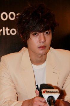 Kim Hyun Joong 김현중 ♡ Kpop ♡ Kdrama ❤ Oh my, his eyes! ( * o * )♡♡♡ ☆°☆ *.* / 2010 DEC./ PRESS CONFERENCE, HOTEL RITZ