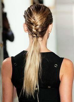 Hair Styles 2018 Wet braid/dry ponytail Discovred by : Byrdie Beauty Summer Hairstyles, Up Hairstyles, Braided Hairstyles, Humidity Hairstyles, Weekend Hair, Curly Hair Styles, Natural Hair Styles, Hair Dos, Gorgeous Hair