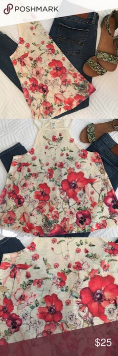 NWOT   🌺☀️️Summer Fun 🌺☀️️ NWOT   Size Medium    Stay cool in this super cute summer top with beautiful, red poppy pattern. Tops