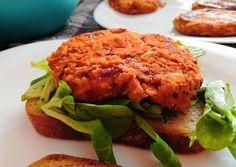 Vegán húspogácsa   Tóth Angéla receptje - Cookpad receptek Salmon Burgers, Gluten, Vegan, Chicken, Healthy, Ethnic Recipes, Food, Turmeric, Essen