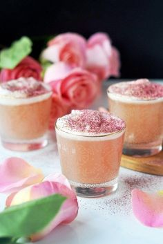pomegranate and rose water gin fizz #gincocktails #gindrinks