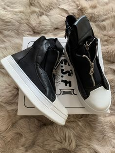 High Tops, High Top Sneakers, Shoes, Fashion, Moda, Zapatos, Shoes Outlet, Fashion Styles, Shoe
