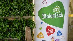 Albert Heijn opent begin september een winkel in Utrecht waar uitsluitend biologische producten worden verkocht. De Albert Heijn-winkel in de Utrechtse Twijnstraat sluit eind augustus zijn deuren om te verbouwen. De biologische winkel zal 2 september worden geopend. Het is voorlopig de enige bio-winkel van Albert Heijn, maar de keten sluit niet uit dat er meer zullen volgen.