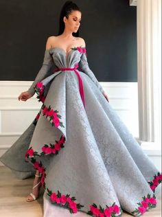 Prepare the prom dresse 2015 for the upcoming prom? Then you need to see silver lace sexy 2019 arabic evening dresses long sleeves high split prom dresses vinta Split Prom Dresses, Prom Dresses 2015, Wedding Dresses, Bridesmaid Dresses, Evening Dresses For Weddings, Vestidos Vintage, Vintage Dresses, Long Sleeve Evening Dresses, Elegant Evening Gowns