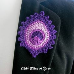 Crochet Feather, Peacock Crafts, Mercerized Cotton Yarn, Form Crochet, Earring Crafts, Peacock Feathers, Beautiful Gifts, Badge, Crochet Earrings