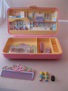 Vintage Toys Kids Polly Pocket New Ideas 90s Toys, Retro Toys, Vintage Toys, 50s Vintage, Antique Toys, Vintage Girls, 90s Childhood, Childhood Memories, Polly Pocket World