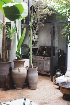 A dreamy Riad in Marrakesh you'll want to visit - Daily Dream Decor Marrakech Souk, Marrakesh, Beautiful Gardens, Beautiful Homes, Outdoor Spaces, Outdoor Living, Back Gardens, Courtyard Gardens, Boho Decor