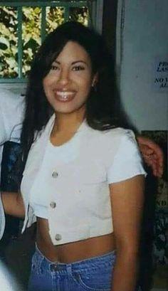 Selena Quintanilla Perez, Selena Pictures, Selena And Chris, Jackson, Jenni Rivera, Corpus Christi, American Singers, Girl Crushes, Role Models