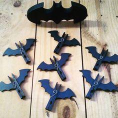 Pregadores de #morcego #batman para os pacotinhos da cozinha.