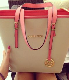 Im gonna love this site!MK outlet So Cheap!! discount site!!Check it out!! it is so cool. MK bags.only $39