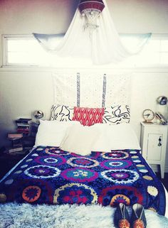 Amazing 82 Best Bohemian Style Bedroom Inspiration https://modernhousemagz.com/82-best-bohemian-style-bedroom-inspiration/