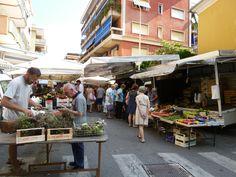 """""""Mercato"""", Sestri Levante Liguria Italia (Luglio) Sestri Levante, Street View, Table Decorations, Furniture, Home Decor, Italia, Decoration Home, Room Decor, Home Furniture"""