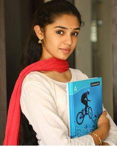 Beautiful Girl Photo, Beautiful Girl Indian, Most Beautiful Indian Actress, Beauty Full Girl, Cute Beauty, Beauty Women, Beauty Girls, Cute Young Girl, Cute Girls