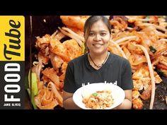 [:Vegan Adaptable:] How to Make Classic Pad Thai | Cooking with Poo: ผัดเต้าหู้แข็งในกะทะ ตามด้วยหอมแดงซอยครึ่งลูก เส้นหมี่แช่น้ำอุ่นแล้ว 10 นาที, น้ำปลา ๒ ช้อนโต๊ะ, น้ำตาล ๓ ช้อนโต๊ะ, sweet radish ๑ ช้อนโต๊ะ (sub with tamarind), น้ำเปล่าพอผัด, ผัดทั้งหมดจนเส้นไม่ติดตะหลิว แล้วใส่ต้นหอม ถั่วงอก ปรุงรสเมื่อเสิร์ฟด้วยน้ำตาล มะนาว ถั่วตำละเอียด