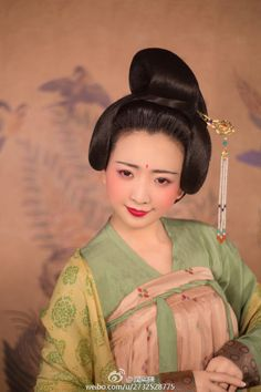 Tang Dynasty Hairstyle and Hanfu