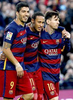 Barcelona's deadly trio in 2015 - Luis Suarez, Lionel Messi and Neymar Jr. Barcelona Champions League, Champions League Draw, Lionel Messi, Fc Barcelona, Barcelona Football, Messi And Neymar, Best Football Team, Camp Nou, Ballon D'or