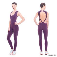 Recortes nas costas são quase um clássico da moda fitness.