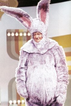 The legendary John Wayne + lavender bunny suit = Awesome This amazing moment was captured on film in 1969 during an episode of Rowan & Martin's Laugh-In. Don't ever say the Duke didn't have a sense of. Classic Hollywood, Old Hollywood, Hollywood Stars, John Wayne Quotes, Westerns, Don Delillo, Morrison, Mode Costume, Bunny Suit