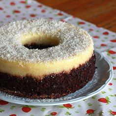 Ansiosa pra cortar e postar a receita desse bolo prestígio que já sai do forno com a cobertura! Será que ficou bom? #receita #receitapratica #cake #bolo #coconut #yummy #delicious #sobremesa #delicious #feedfeed #f52grams #sweet #thecookieshop