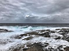 2017TovaK #norway #sognogfjordane # bulandet #vaerlandet #værlandet #nature #naturephotography #oceanview # ocean #tovakjaempenes #norwegen #westcoast # discovernorway  #explorenorway #scandinavia #norvege #skywatcher Norway, Waves, In This Moment, Outdoor, Outdoors, Outdoor Games, Outdoor Living, Beach Waves, Wave