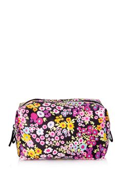 Shop the latest cosmetic bag products on Wanelo, the world's biggest shopping mall. Beauty Nails, Beauty Skin, Shop Forever, Forever 21, Forever Life, Cosmetic Pouch, Backpack Purse, Love Makeup, Vintage Style Outfits