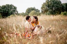 preboda, engagements, campo, picnic, foto, espigas, fotografo bodas, sesión pareja