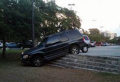 Another 12 Awful Parking Jobs (parking jobs, car parking jobs) - ODDEE