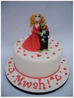Piggy & Kermie cake