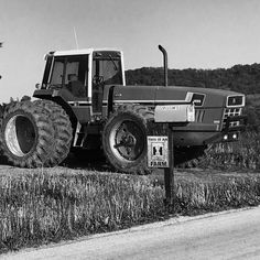 This is an @international.harvester farm in rural #Iowa #agriculture #iphoneonly #rurallife #tractorporn #ontheroad #blackandwhite