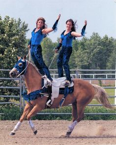 This is a picture of the trick riding trainer and her sister from heartland . Riding Cowgirl, Cowboy Horse, Bull Riding, Horse Riding, Trick Riding Saddle, Rodeo, Canadian Horse, Horse Posters, Horse Tips