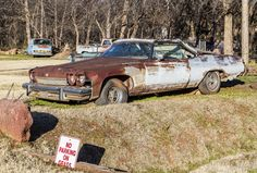 https://flic.kr/p/CY19DR | No Parking on Grass | This old Buick is abandoned and parked on the grass in Arcadia, Oklahoma.