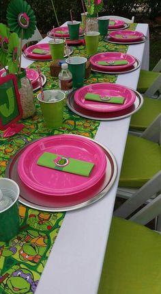 Girl TMNT table setting by UED Sibling Birthday Parties, Turtle Birthday Parties, Ninja Turtle Birthday, Ninja Turtle Party, Carnival Birthday Parties, Birthday Party Games, Birthday Ideas, 5th Birthday, Girl Ninja Turtle