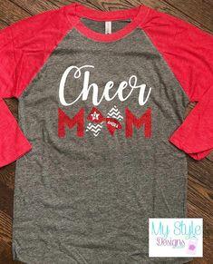 Cheer Mom Shirts, Cheerleading Shirts, Cheer Stunts, Cheer Dance, Cheerleading Stunting, Cheer Hair, Cheer Bows, Football Cheer, Cheer Outfits