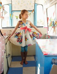 oooh I love this shot from JOULES and VINTAGE SCOOPS
