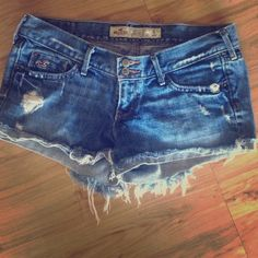 Hollister no stretch cut-offs Very cute Hollister jean shorts. Fit low on the hips. Hollister Shorts Jean Shorts