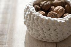 DIY Petit Panier en Trapilho - tutoriel crochet - DIY  http://carnetdedouceurs.fr Blog toulousain - Création - Photographie - Découvertes - par la créatrice de Tampons Mïmo