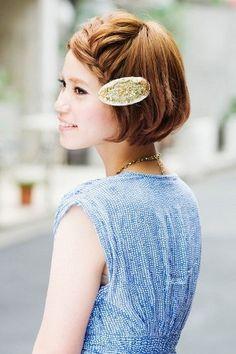 HAIR:【お呼ばれアレンジ編】ショートボブは前髪アレンジと小物使いがカギ!|SPUR(シュプール)