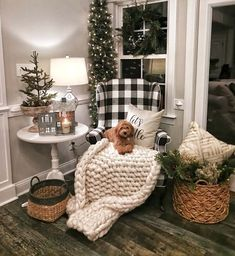 Looking for for images for farmhouse christmas decor? Browse around this website for cool farmhouse christmas decor inspiration. This amazing farmhouse christmas decor ideas looks completely brilliant. Farmhouse Christmas Decor, Cozy Christmas, Rustic Christmas, Farmhouse Decor, Farmhouse Style, Farmhouse Design, Xmas, Modern Farmhouse, Christmas Fireplace