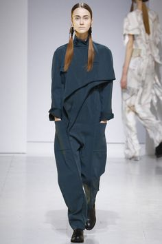 Chalayan Fall 2016 Ready-to-Wear Collection - Vogue