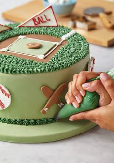 Celebrate your favorite sport with the Cake Boss Sports Cake Kit. The kit contains all you need to create a baseball, football, basketball cake and more! Click on the image to start building your own sports themed cake.