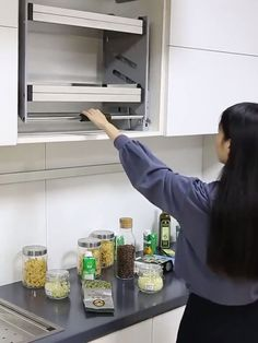 Luxury Kitchen Cabinet Handles Organizer - Real Time - Diet, Exercise, Fitness, Finance You for Healthy articles ideas Kitchen Room Design, Modern Kitchen Design, Home Decor Kitchen, Kitchen Furniture, Kitchen Interior, Diy Kitchen Ideas, Kitchen Ideas Videos, Furniture Ideas, Decorating Kitchen
