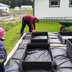 Raised Vegetable Garden Beds Can Be A Great Gardening Option – Handy Garden Wizard Building A Raised Garden, Raised Garden Beds, Raised Beds, Vegetable Garden Design, Garden Cottage, Garden Boxes, Edible Garden, Dream Garden, Garden Planning