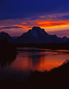 Sunset over Oxbow Bend off the Snake River and Mt. Moran, in Grand Teton National Park.