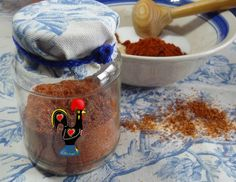 Portuguese spice mix 4 tablespoons of salt 1 tablespoon garlic powder 2 tablespoons of sweet paprika 2 teaspoons of crushed black pepper 2 teaspoons of cumin powder (optional) Optional if want a spicy blend teaspoon of Piri Piri or Cayenne pepper powder) Portuguese Desserts, Portuguese Recipes, Portuguese Food, French Desserts, Spice Blends, Spice Mixes, Dry Rub Recipes, Portugal, Homemade Seasonings