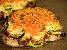 Plastry schabu zapiekane z porem i marchewką - zdjęcie 3 Pork Recipes, Cooking Recipes, Plaster, Salmon Burgers, Good Food, Food And Drink, Menu, Tasty, Chicken