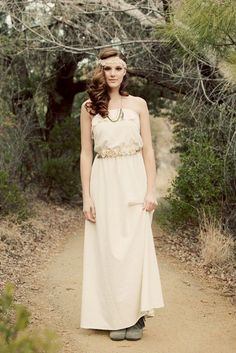 While you want your Elopement to be low-stress, you're still going to look fantastic in your Wedding dress!  Check out these cool, low key wedding dresses on Intimate Weddings. -- 10 Great Elopement Dresses